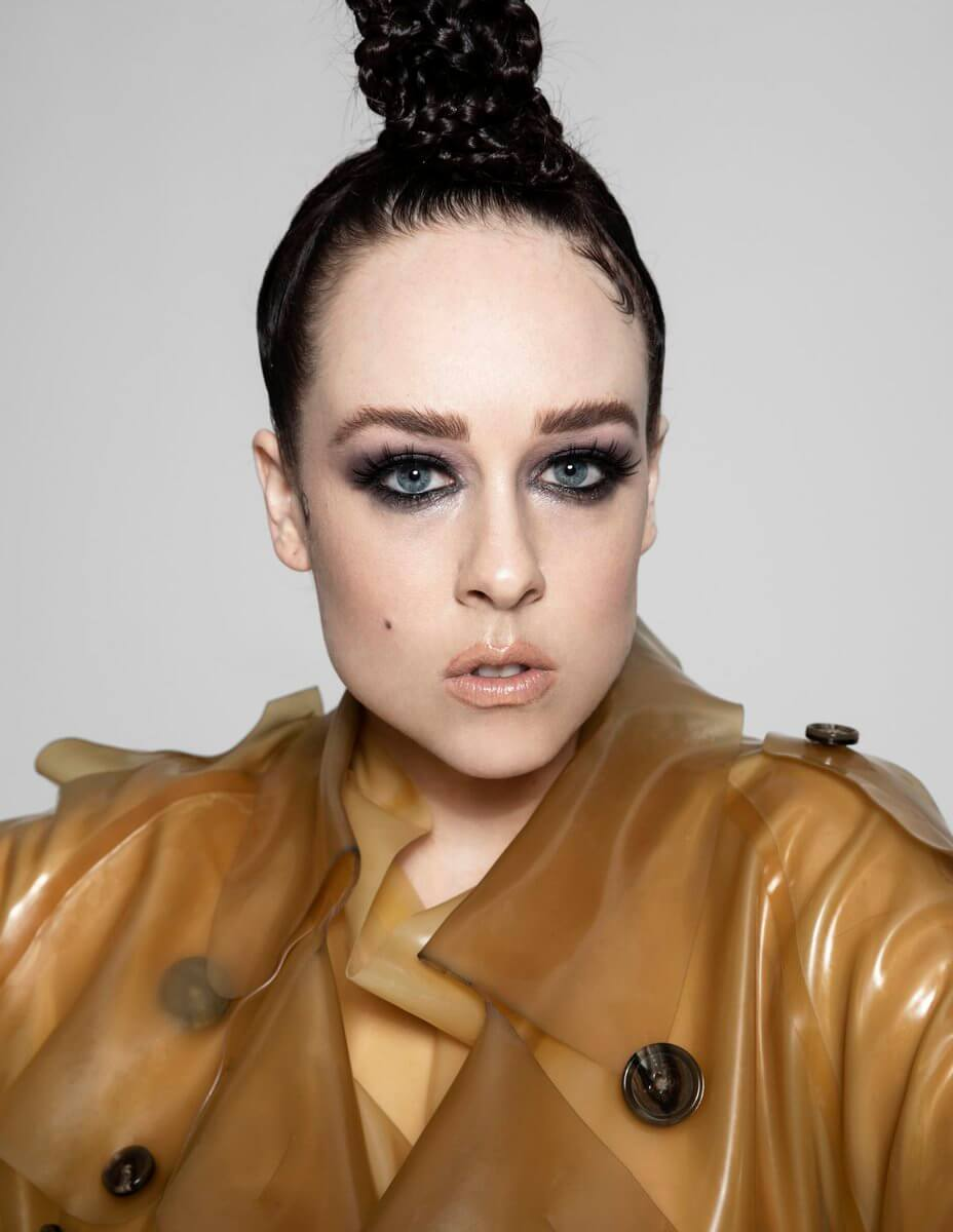 Allie X в латексе от TABLEAUX VIVANTS